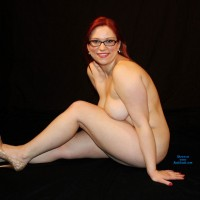 """First Time - Big Tits, Redhead , Hey RedCloud-ers ! Been Viewing The Site For Awhile And Finally Built Up Enough Courage To Post. I'm Hardly The """"model"""" Type, But Thought I'd Represent The """"average"""" Gal. Hope You Like, It Was Kinda Cool Posing Nude And Showing Off What I Have ! Will Probably Post Again If I Do Well.."""