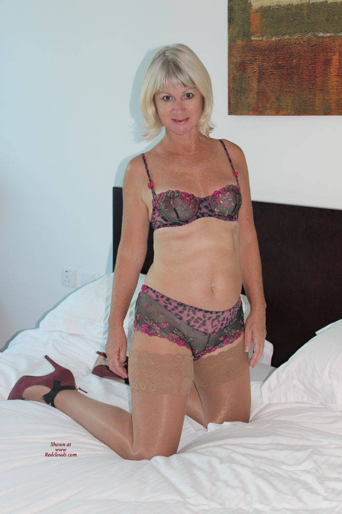 Pic #1When The Wine Has All Gone - Mature, High Heels Amateurs, Blonde, Shaved, Milf