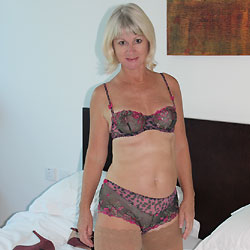 When The Wine Has All Gone - Mature, High Heels Amateurs, Blonde, Shaved, Milf