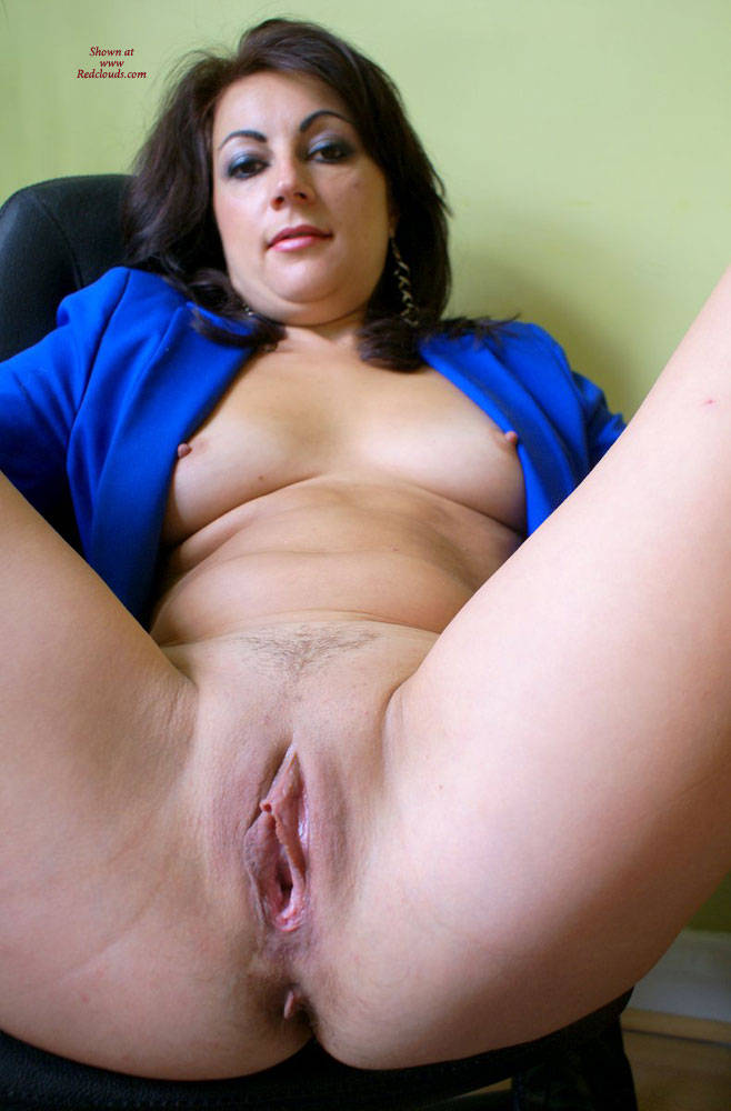 Pic #1Anna (38) Blue Jacket, Black Shirt - Big Tits, Brunette, Shaved, Close-ups
