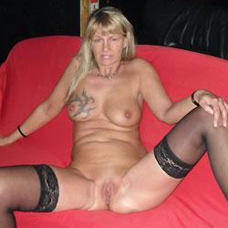 Regina Nude For Chrismas - Big Tits, Blonde, Shaved, Tattoos