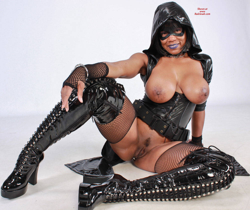 Pic #1 Raven Swallowz Hardcore Cosplay - Big Tits, Brunette, Ebony, Toys, Bush Or Hairy, Costume