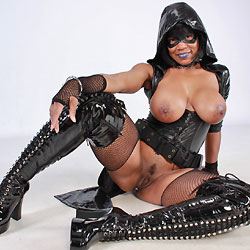 Raven Swallowz Hardcore Cosplay - Big Tits, Brunette, Ebony, Toys, Bush Or Hairy, Costume