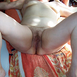 My Body - Bush Or Hairy, Close-ups, Pussy, Amateur