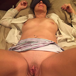 Hotwife Penny Naked! - Close-ups, Shaved, Wife/wives, Amateur