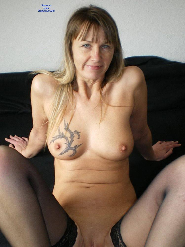 Pic #1Regina Aus Halver Zeigt Alles - Nude Girls, Big Tits, Lingerie, Tattoos