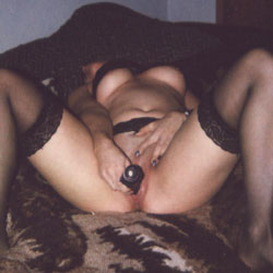 Shy Hot Wife - Nude Wives, Toys, Amateur