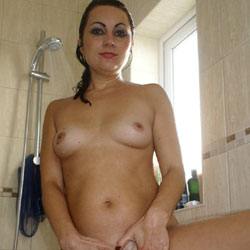 Anna (39) In The Shower - Nude Girls, Brunette, Bush Or Hairy, Amateur