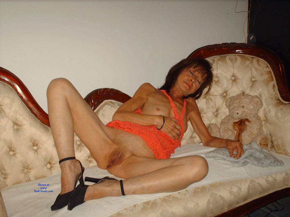 Pic #1Small Breasted - Brunette, High Heels Amateurs, Small Tits, Shaved, Mature