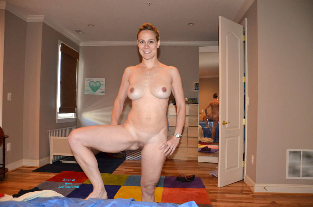 Pic #1Wife Wants To Show Off Spreading Her Legs - Nude Wives, Shaved, Amateur