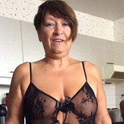 Sexy Anneke