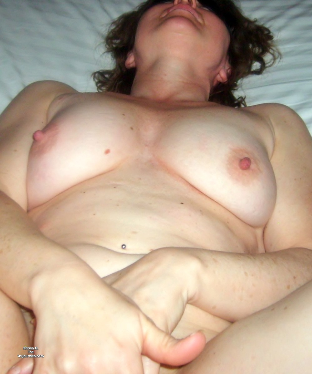 Pic #1My wife's ass - DKFirball