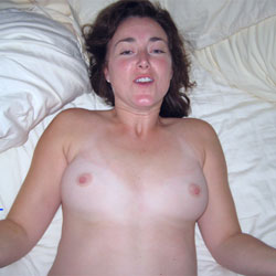Keep Smiling And Take His Release - Nude Amateurs, Brunette, Penetration Or Hardcore, Pussy Fucking