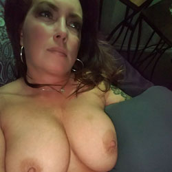 Buggs Loves Being Buggs - Big Tits, Brunette, Amateur, Tattoos