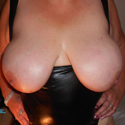 Hot Adelais - Big Tits, Shaved, Close-ups, Amateur