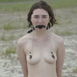 Hot Girl On A Hot Beach - Nude Girls, Beach, Outdoors, Bush Or Hairy, Amateur, Bdsm Pics, Fetish Pics