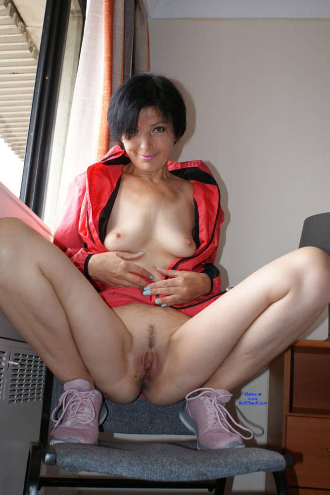 Pic #1Slutty - Brunette, Amateur, Legs Spread Wide Open, Mature
