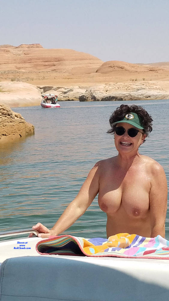 Pic #1A Day On The Boat With Cub - Nude Girls, Big Tits, Brunette, Mature, Outdoors, Shaved, Amateur