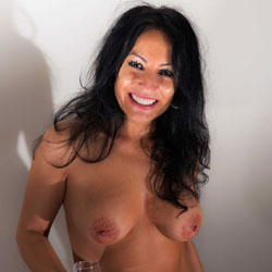 Elsa!!! - Nude Girls, Big Tits, Brunette, Amateur