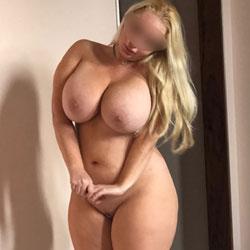 Barbie Pawg - Nude Wives, Big Tits, Blonde, High Heels Amateurs
