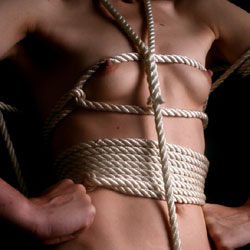 Holding The Ropes - Nude Girls, Bush Or Hairy, Amateur, Bdsm Pics