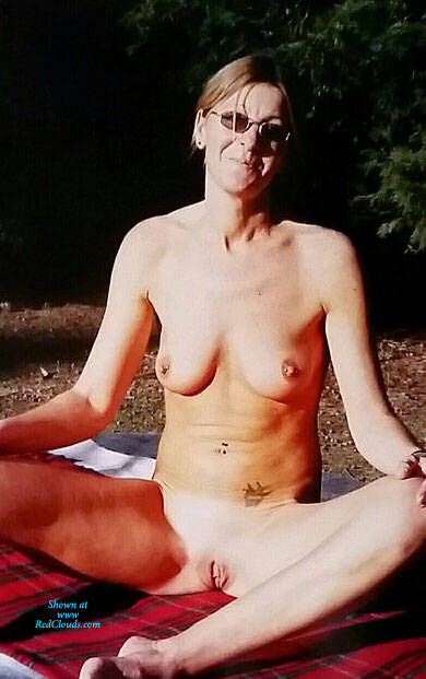 Pic #1Julie Love's Exposing Her Gorgeous Shaved Pussie - Nude Girls, Brunette, Outdoors, Shaved, Amateur
