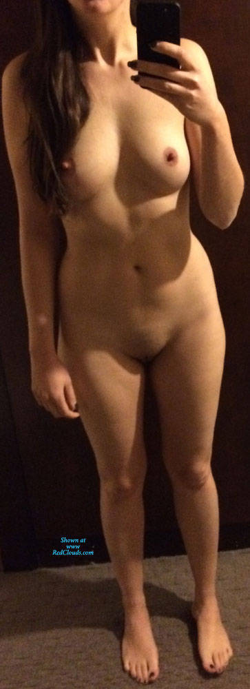 Pic #1Just Posing - Nude Girls, Shaved, Amateur