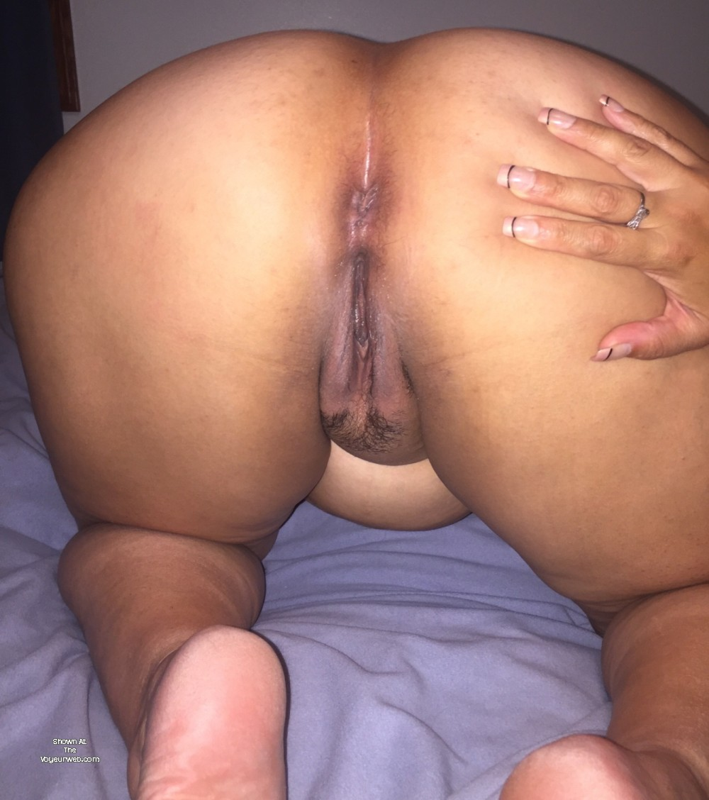 Pic #1My wife's ass - Cherry