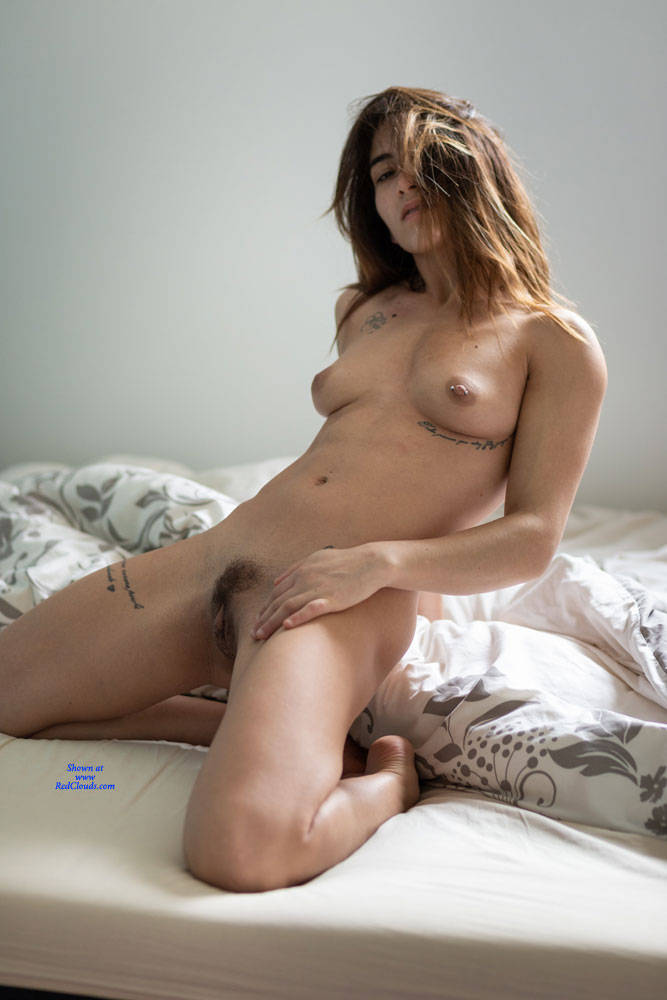 Pic #1Pretty Morning - Nude Girls, Brunette, Bush Or Hairy, Amateur, Firm Ass
