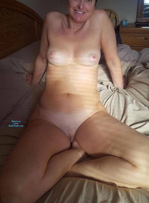Pic #1Sunday March Morning Poses - Nude Girls, Bush Or Hairy, Amateur, Legs Spread Wide Open