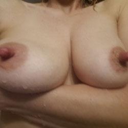 Random Pics - Big Tits, Wife/wives, Shaved, Amateur, Big Nipples