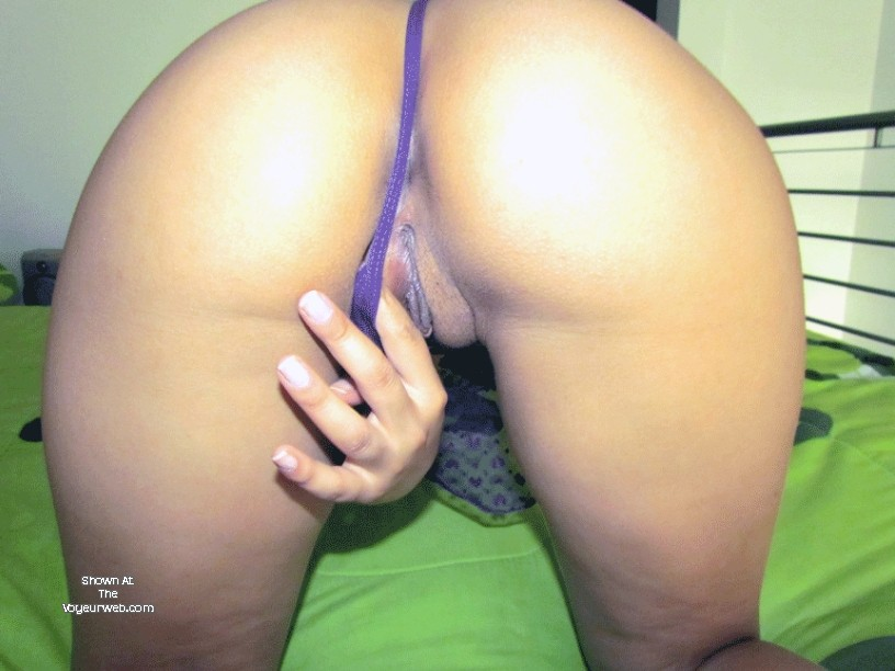 Pic #1A co-worker's ass - Valentina